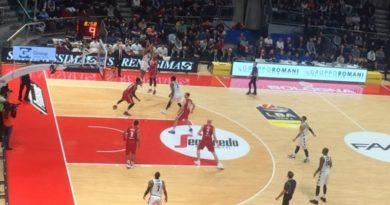 Punter trascina la Virtus alla vittoria contro Trieste al Paladozza di Bologna