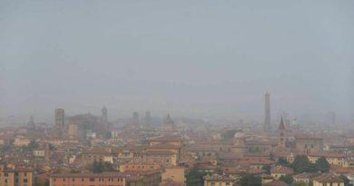inquinamento legambiente progetto che porta gli studenti a rilevare il pm10 a Bologna