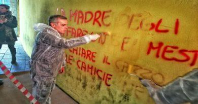 sindaco di casalecchio di reno cancella le scritte fasciste dai muri