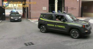 trentuno arresti per l'importazione di ovuli ingeriti contenenti eroina anche a Bologna