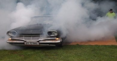 fumava una canna in macchina in via della Canapa, segnalato un 19enne