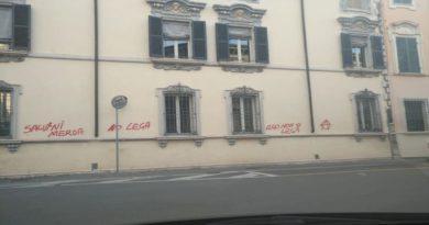 Graffiti anti Salvini a Lugo, Padovani: «Loro i veri fascisti»