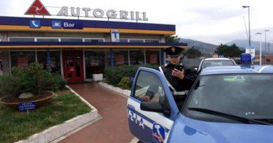 Si spedivano i pc rubati per liberarsi subito del bottino, arrestati 3 ladri napoletani