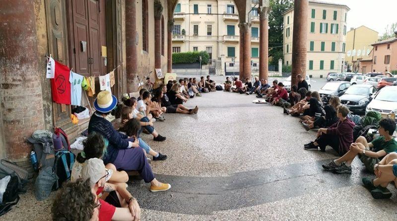 Clima impazzito, ExtinctionRebellion invia al Comune di Bologna una dichiarazione di emergenza