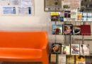 Book station a Bologna leggere un libro in piscina