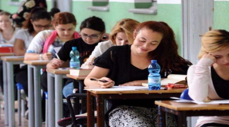 Diritto allo studio, uscito il bando per borse di studio per studenti delle scuole secondarie