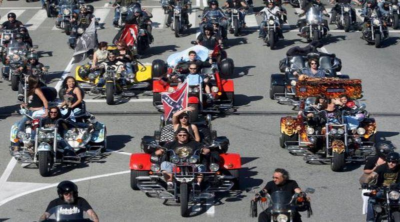 Sfilata di Harley Davidson per i piccoli pazienti dell'ISNB di Bologna