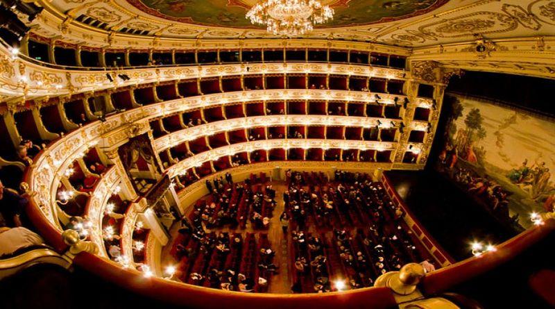 Attori e ballerini senza tutele, il dietro le quinte del Festival Verdi al Teatro di Parma