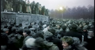 Volti del Muro di Berlino tra foto e pittura, una mostra sulla memoria