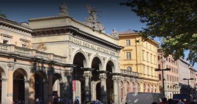 restauro portico arena dle sole in via indipendenza