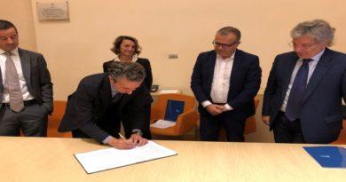 Consulenze e aiuti economici a chi ha debiti, rinnovato l'accordo a Bologna