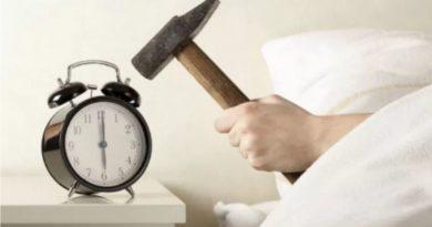 Una persona su due non si alzerebbe dal letto