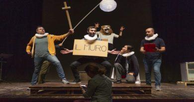 Spettatori sul palco sognando Shakespeare e Garcia Lorca