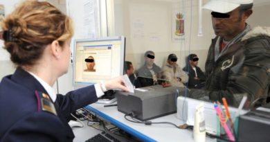 Favoriva migranti irregolari, nei guai un avvocato di Bologna