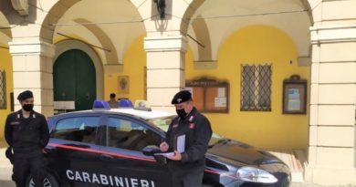 amore coronavirus carabinieri inseguimento covid