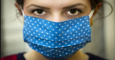 coronavirus mascherina blu bologna