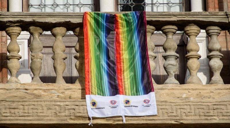 omofobia bologna gay