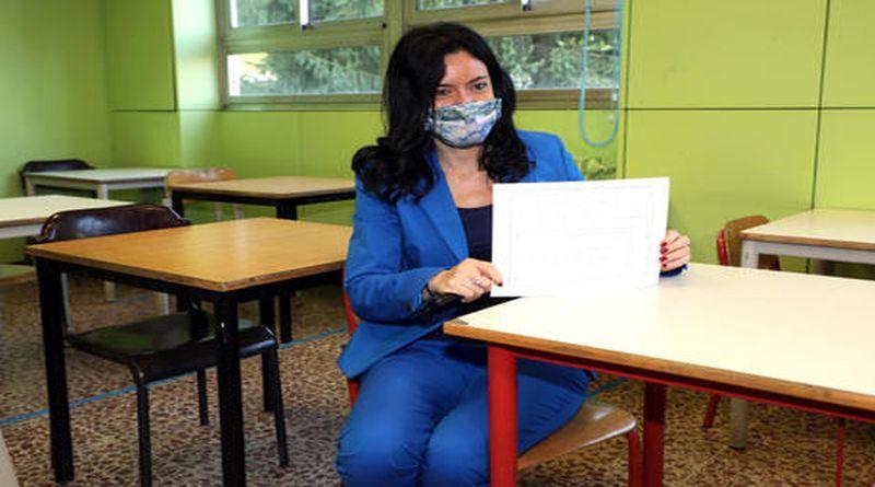azzolina a Bologna ministra scuola mono-banchi