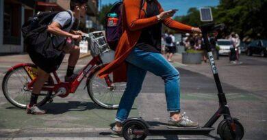 monopattini elettrici bologna biciclette mobilità sostenibile
