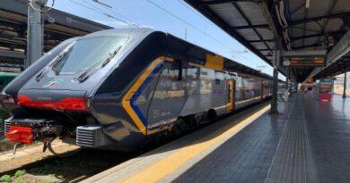 treno bologna romagna mare rimini riccione cattolica regionale assembramento