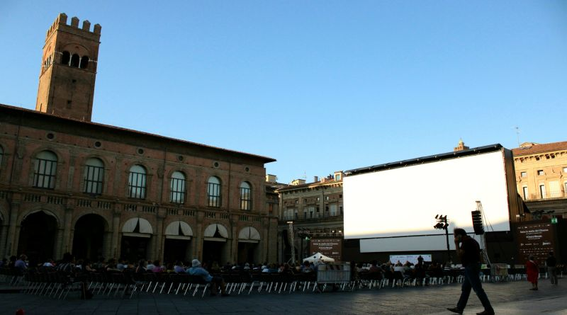 world press photo bologna piazza maggiore coronavirus covid