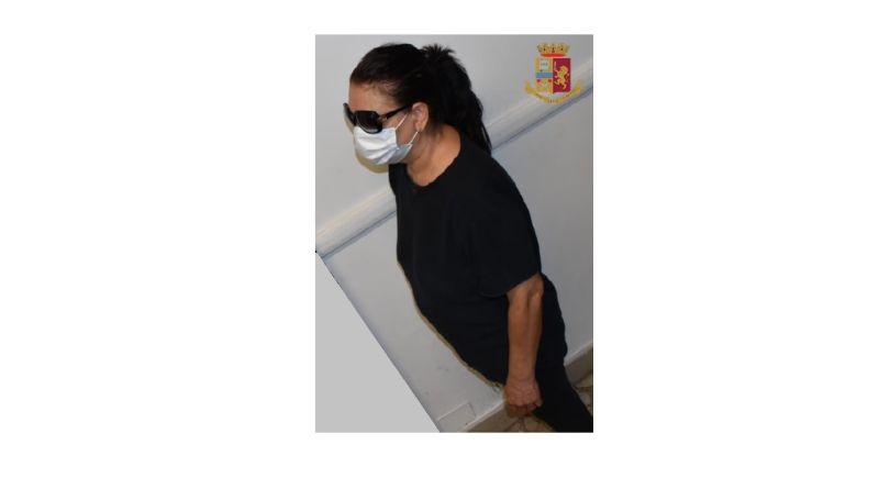 casagrande ladra anziani bologna arrestata arresti domiciliari carcere