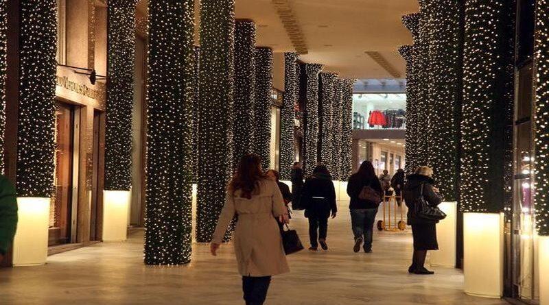 shopping natalizio bologna negozi galleria cavour mercato delle erbe quadrilatero misure anticovid mascherine distanziamento assembramento numero chiuso