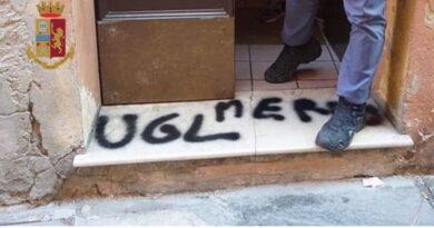 ugl merda scritte sui muri bologna rider denunciati volantini