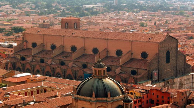 san petronio chiesa cattolica bologna