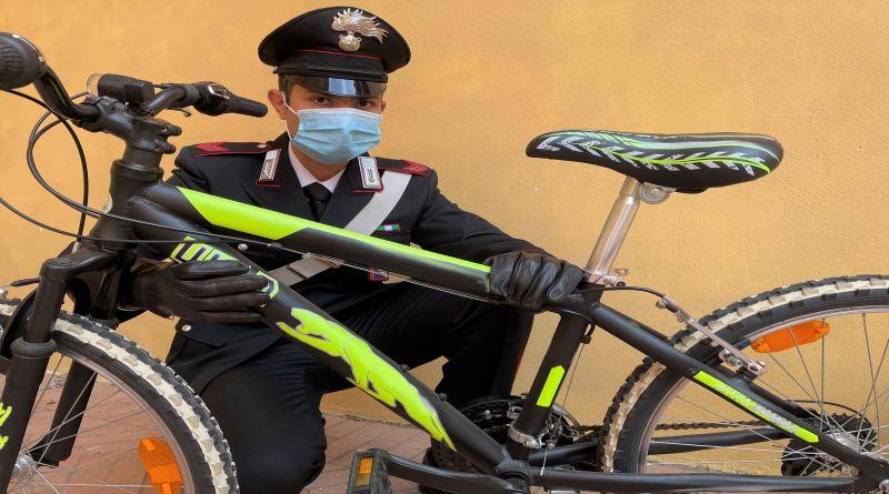 bicicletta rubata bologna minorenne hashish spaccio