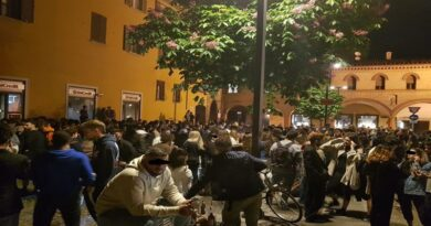 Coronavirus, ordinanza anti-movida: chiudono piazza Verdi piazza San Francesco e mezza piazza Aldrovandi