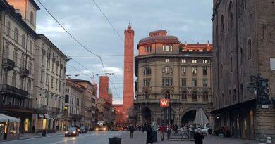 """""""La Storia di Bologna"""", da oggi un libro racconta la città dalla preistoria ai giorni nostri"""