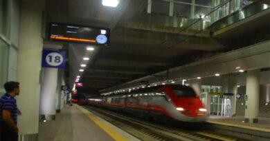 Arresto cardiaco alla stazione di Bologna, salvata 26enne