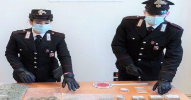 Sorpreso a spacciare cocaina ed eroina in Bolognina, arrestato 38enne