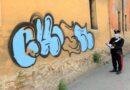 Sorpreso a dipingere un muro dell'ex caserma Mameli, denunciato writer