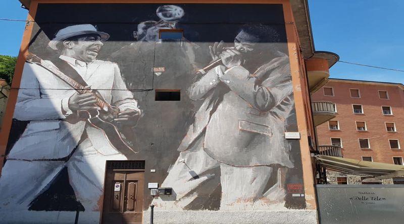 bologna Sui palazzi di Porretta Terme nuovi murales per promuovere turismo e il Porretta Soul Festival