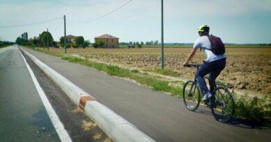 bologna Bologna-Galliera in bicicletta, inaugurata la pista ciclabile della pianura bolognese bicipolitana