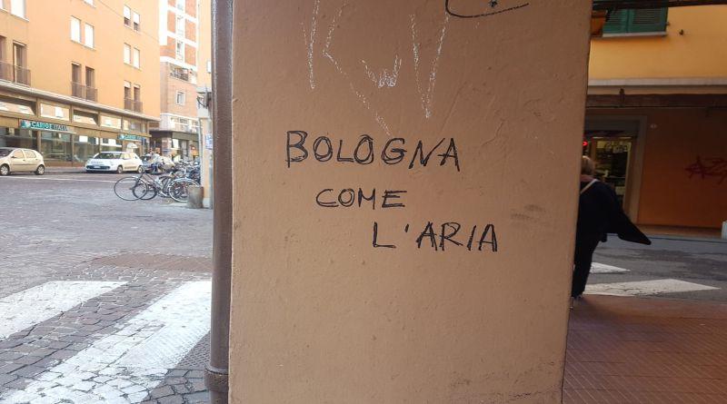 """I """"Muri di Bologna"""", al via un concorso fotografico per raccontare come la città comunica attraverso i muri dei palazzi"""
