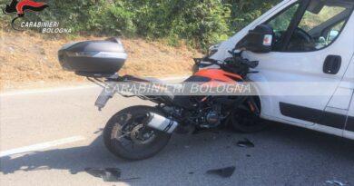 Incidente sulla Porrettana tra motociclista e corriere, il primo è ricoverato al Maggiore
