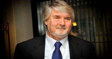 L'ex ministro Poletti è il nuovo segretario Pd del suo piccolo paese di Bubano