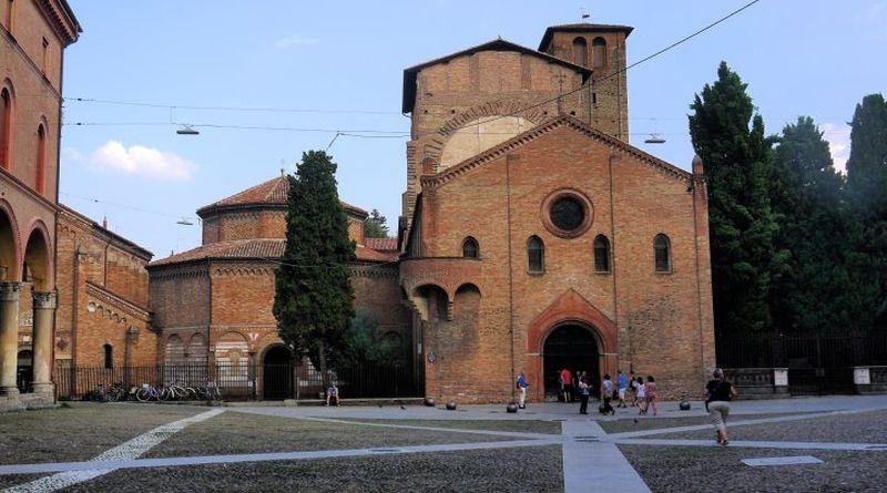 3 bolognesi su 4 dicono No ai finanziamenti comunali per l'edilizia religiosa bologna