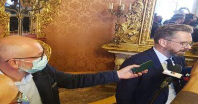"""Dalla Caritas alla politica, si svela un altro """"altarino"""" sul capo ufficio stampa di Lepore"""
