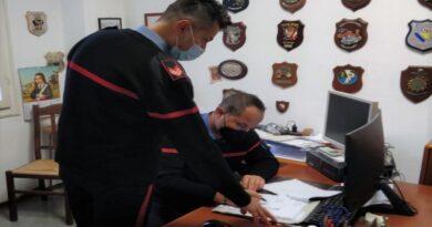 Presentava un certificato medico di una dottoressa deceduta per evitare di presentarsi ai carabinieri, arrestato