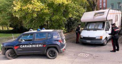 Confezionava metanfetamina in un camper come in BreakingBad, arrestata coppia a Bologna